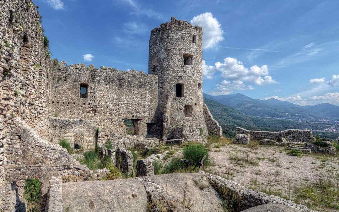 Castello di Avella: storia, archeologia e natura